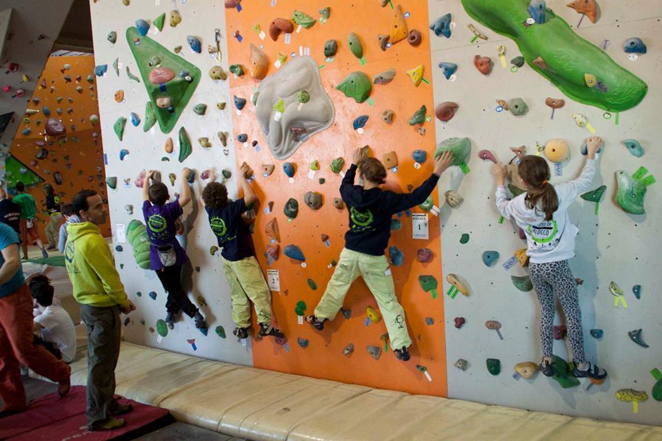 Parete Scalata Bambini : La chiave per veicolare larrampicata è il gioco climbing